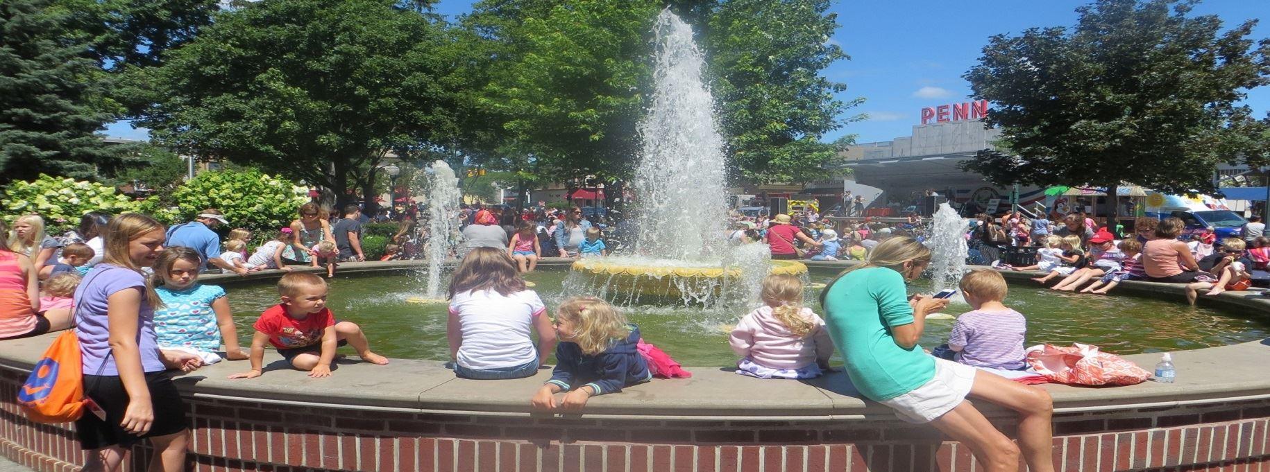 Buildings Kellogg Park Fountain Summer